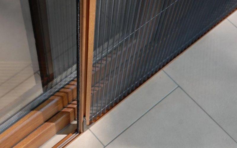 Szúnyoghálók ablakokra, ajtókra: vásároljon be nálunk a felújítás után!